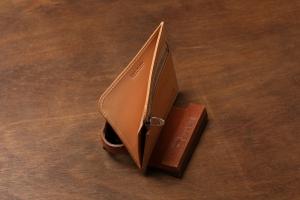 FLAT square (ファスナースクエアミニ財布)